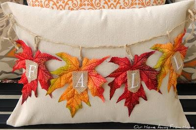 http://mariaelenasdecor.blogspot.com/2014/10/another-fall-accent-pillow.html