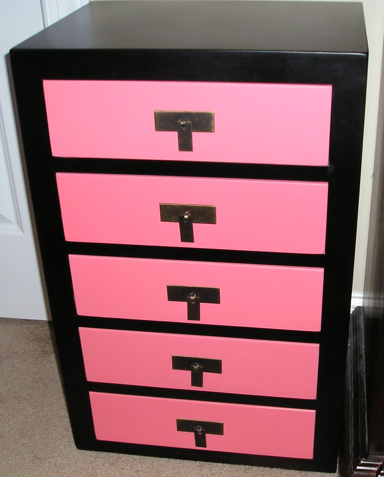 glamorous addiction my makeup storage stash. Black Bedroom Furniture Sets. Home Design Ideas