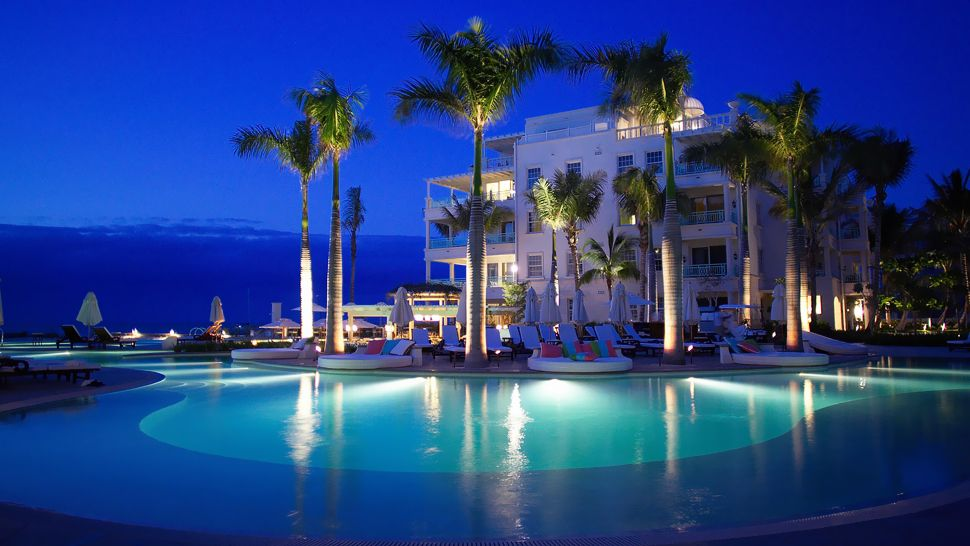 Passion For Luxury Luxurious Regent Palms Hotel In Turks