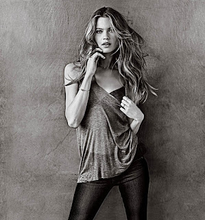 Behati Prinsloo in victorias secret T Shirt and Bra and matching undies Sexy Pictures