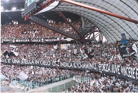 Juventus_tifosi.jpg