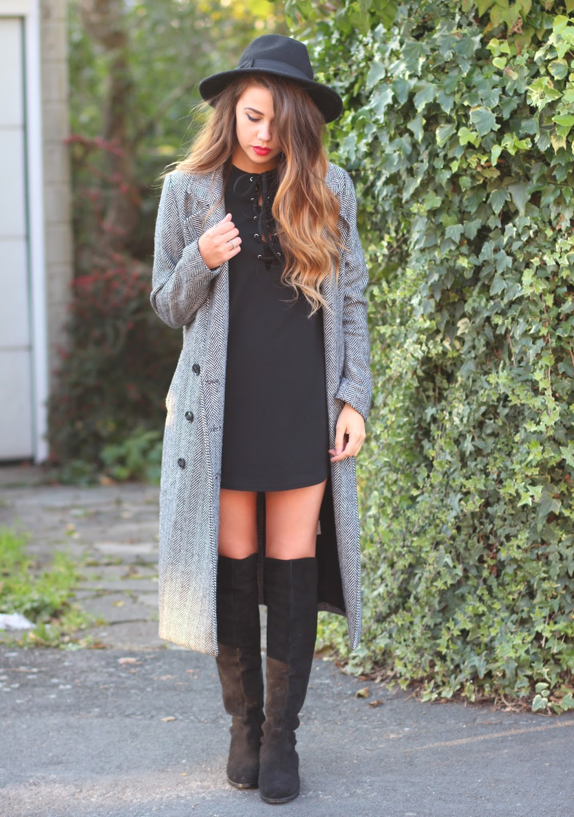 lace-up-dress-misspap-knee-high-boots-fashion-blogger