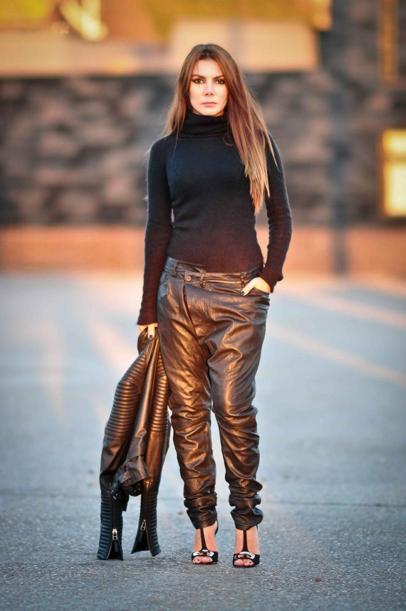 Simona Mar Loose Fit Leather Trousers Amp Turtleneck Jumper