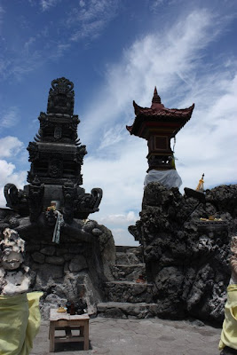 batu bolong in lombok