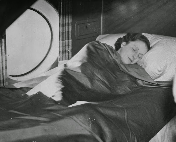 A sleeping berth on an Imperial Airways aircraft in March 1937