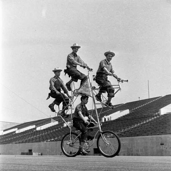 Bicycle+Pageant,+1948+(11).jpg