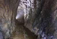 galleria sotto la roccia