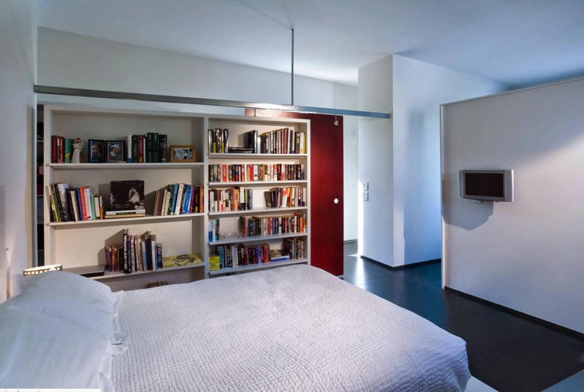 Ruang Tidur Minimalis Dengan Rak Buku Di dalamnya 1
