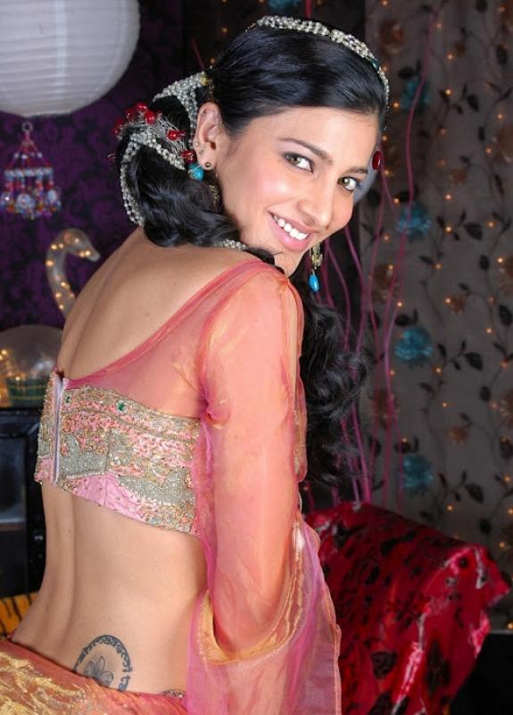 Shruti Hassan Karachi Prostitute