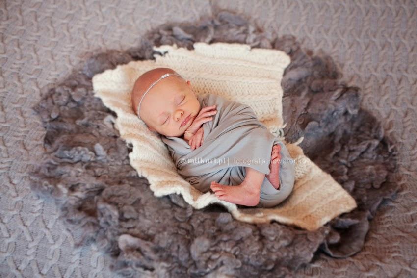 sesje fotograficzne noworodków, fotografia dziecięca, sesja zdjęciowa niemowlaka, zdjęcia rodzinne, fotograf dziecięcy w poznaniu