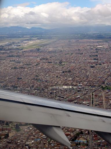 Airplaces aeropuerto 39 el dorado 39 bog skbo for Puerta 6 aeropuerto el dorado