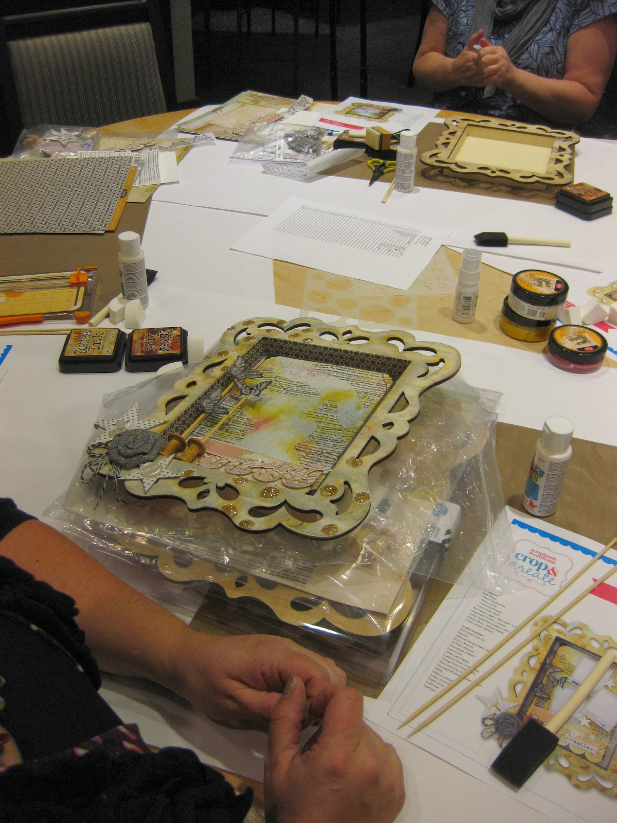 Vicki Boutin  frame workshop -