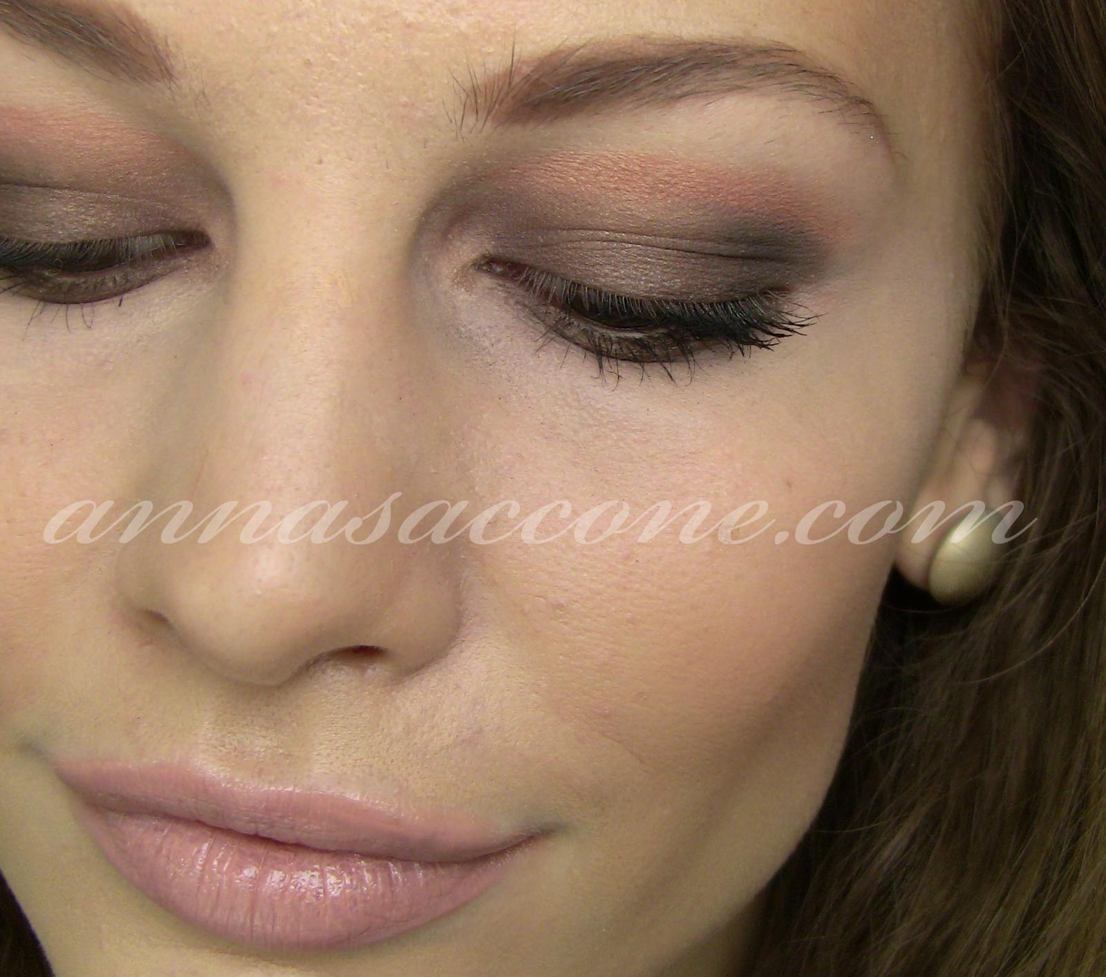 http://3.bp.blogspot.com/-u9PsEKIXCrs/TjxvqCH8NxI/AAAAAAAAH44/2RF-WeVxXGk/s1600/Mary-Kate-Olsen-Smokey-Eye.jpg