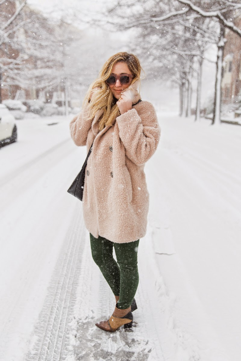snow, day, outfit, starbucks, furry coat, brown boots, brown hat, mansur gavriel bucket bag, dc, style, blogger