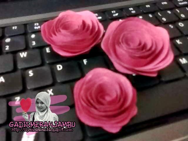 bunga ros kertas