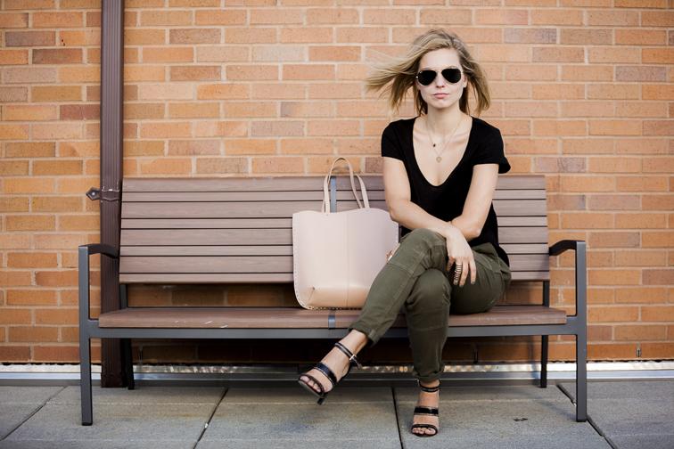Nude Zara leather bag Jason Wy Sandals H&M linen tee Rich & Skinny Dillon