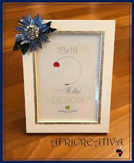 Porta foto con fiore azzurro e argento
