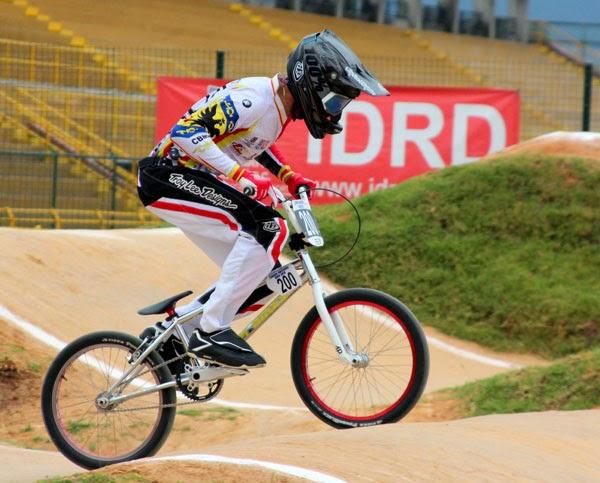 Podios-bogotanos-inicio-Campeonato-Nacional-BMX