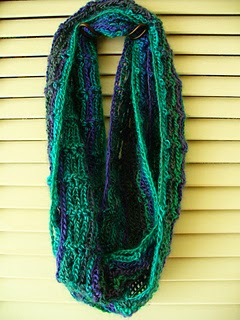 free crochet pattern lacy lightweight cowl