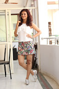 Seerat Kapoor New glam stills-thumbnail-4