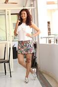 Seerat Kapoor New glam stills-thumbnail-4