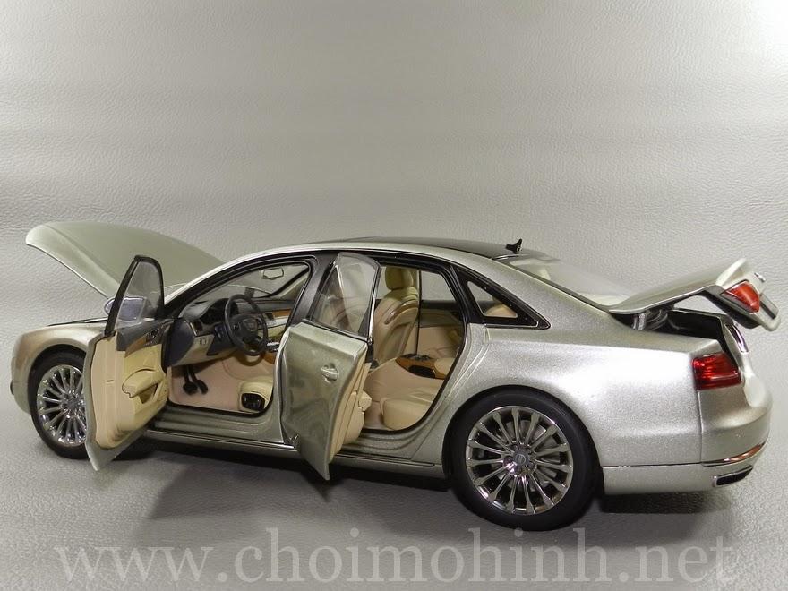 Audi A8 L W12 1:18 Kyosho door