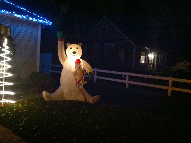 Inflatable-Polar-Bear-Lights-Up-Farmingdale-Resident's-Lawn