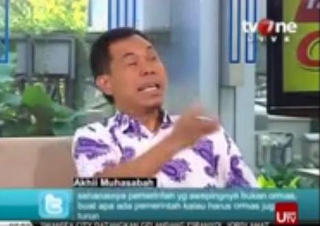 Video Munarman Siram Air