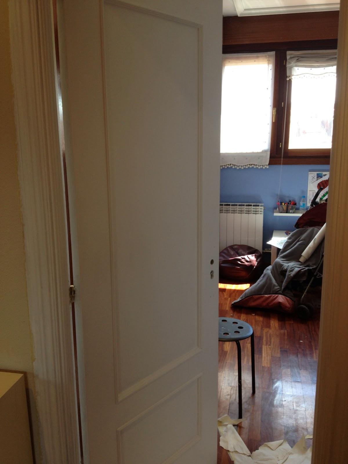 Adios al sapely pintar puertas de blanco juntitoscrafts punto y manualidades - Pintar puertas de casa ...