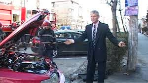 Pompierii din Romania sunt epici. Au distrus complet masina unui cetatean.