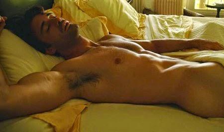 Gilles Marini desnudo integral, mostrando el pene y el