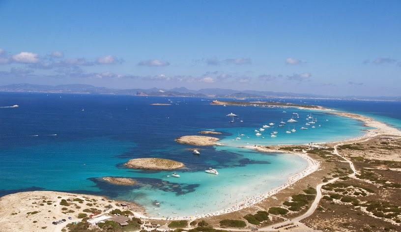 Красив плаж на Балеарските острови