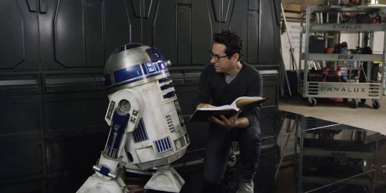 J.J. ABRAMS JUNTO A R2-D2
