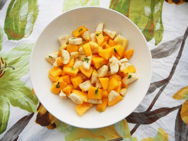 Mio Global, 10 Delicious Healthy Snacks That Won't Make You Feel Guilty, Number 1 Tropical Fruit Salad