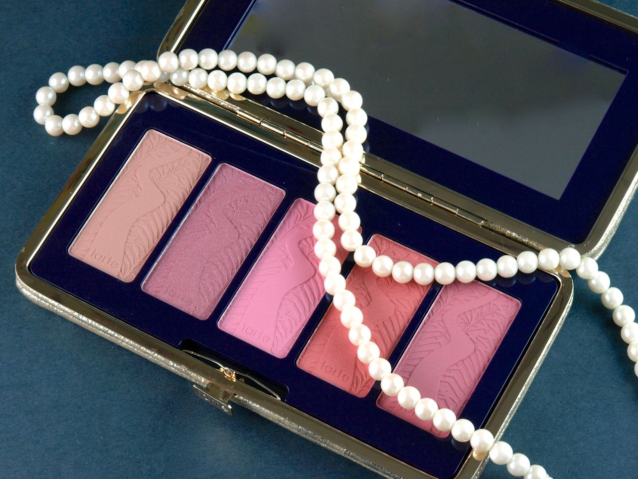 Tarte Holiday 2014 Pin Up Girl Amazonian Clay 12-Hour Blush Palette: Review and Swatches