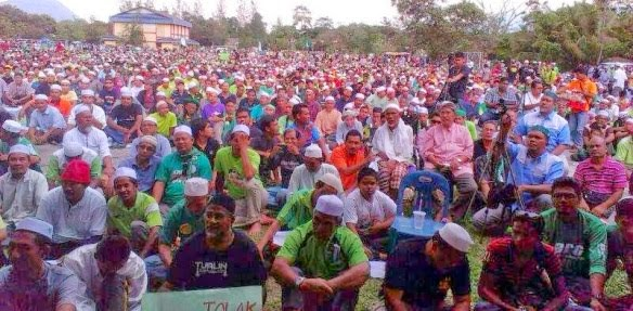 POOR FARMERS IN BALING N D REST WITH UMNO RHETORIC OF BEE N NEP FAILURES!! )