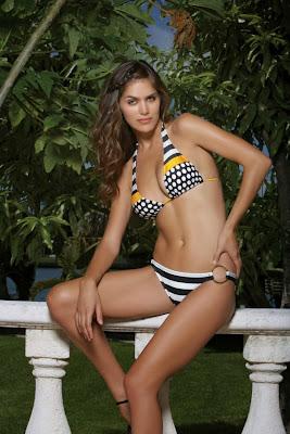 Anahi Gonzales hot in sexy bikini