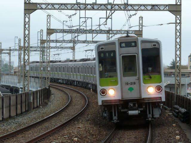京王電鉄 各停 橋本行き5 都営10-000形210F(節電ダイヤに伴う運行)