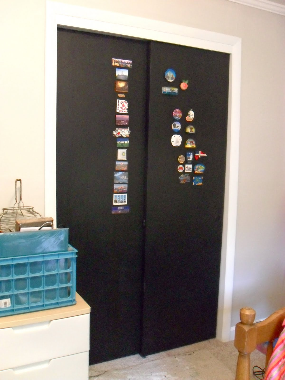 The remodeled life chalkboard doors the finale so i also mentioned we had an amazing magnet collection well maybe i exaggerated a tad for some reason in my memory it was a lot grander than it looks vtopaller Image collections