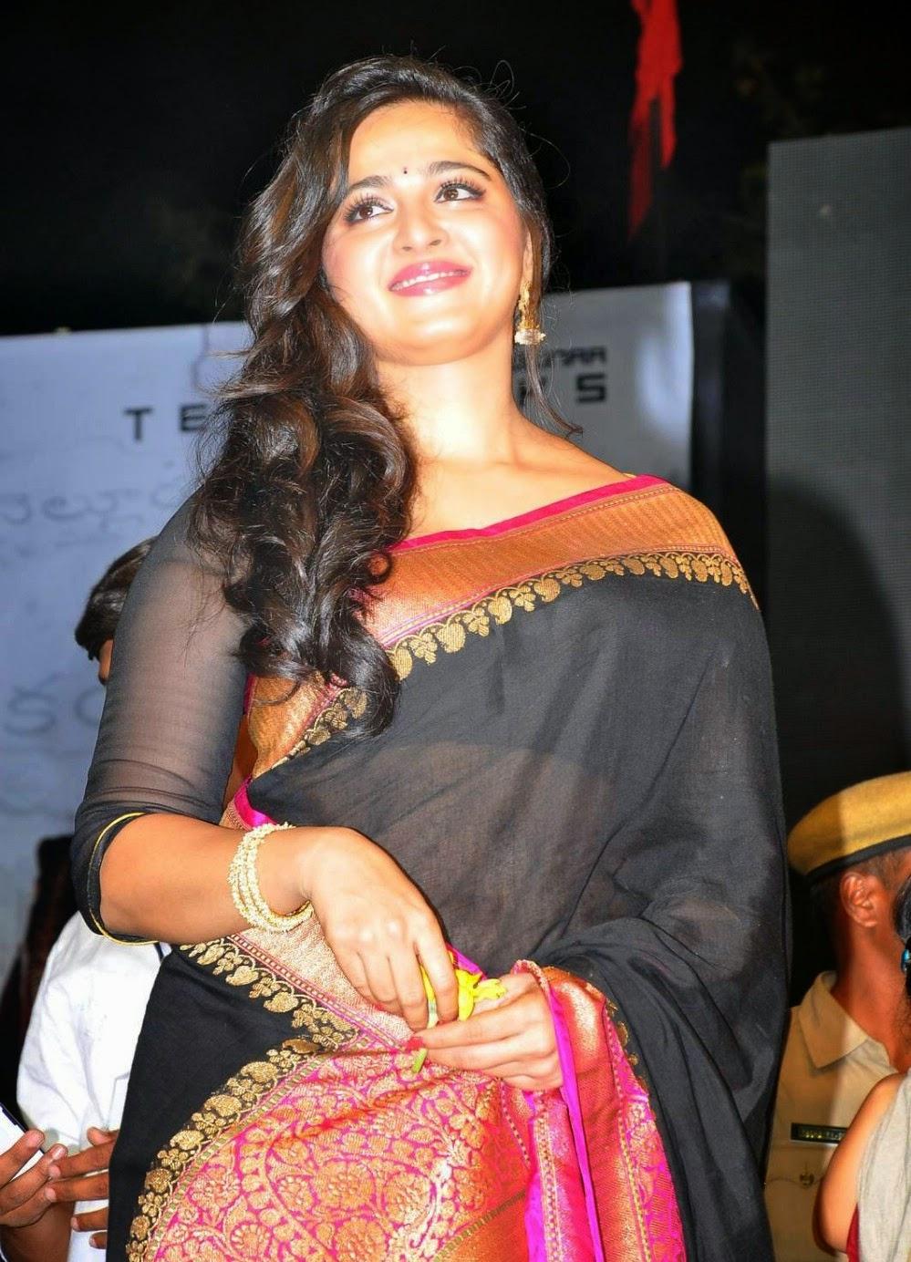 Anushka Shetty cure pics