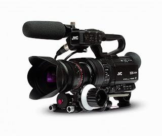 JVC  GY-LS300 с сенсором Super 35мм 4K