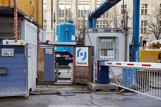 Baustelle Unter den Linden, zwischen Friedrichstraße und Charlottenstraße, 10117 Berlin, 22.12.2013