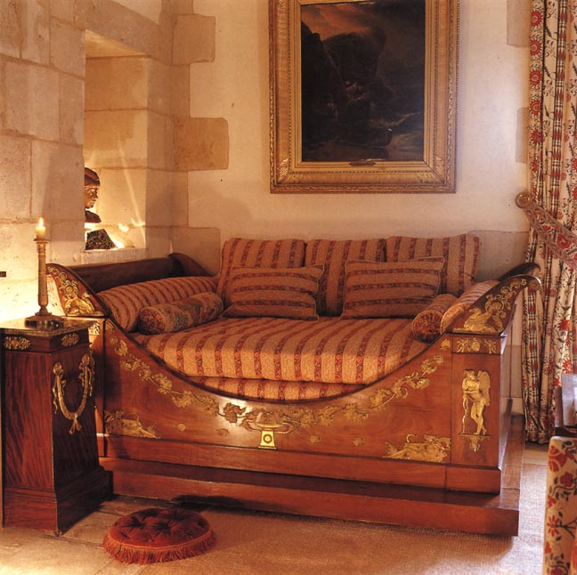 Eye for design decorating french empire style bedrooms for Empire style bed