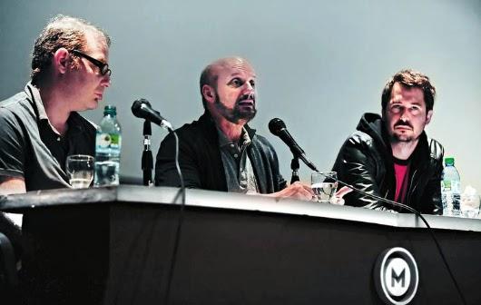 Axel Kuschevatzky, Juan José Campanella y Santiago Mitre en la presentación de la encuesta (foto: Germán García Adrasti/Clarín)