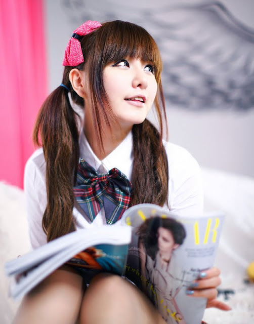 Ryu Ji Hye Lovely in Grey and Red School Girl