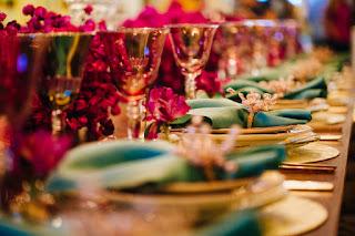 decoração casamento roxo prato porta guardanapo