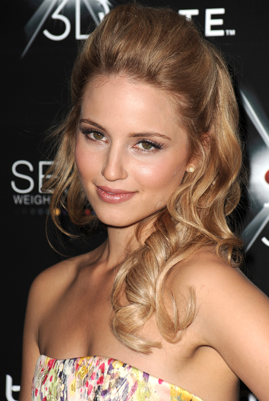Fresh Look Celebrity Dianna Agron Hairstyles 14