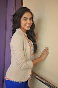 Ritu Varma latest glamorous photos-thumbnail-7