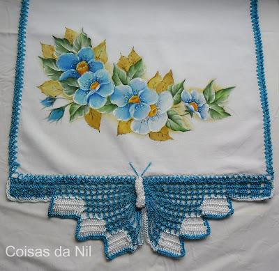 """""""pano de copa com borboleta e pintura de flores silvestres azuis"""""""