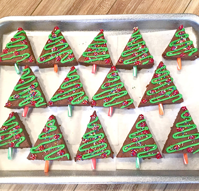 Best 28 christmas crafts for brownies christmas tree for Arts and crafts for brownies